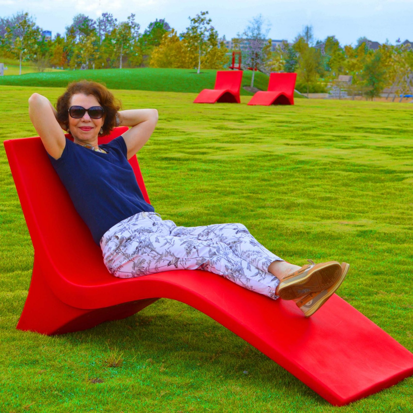 LuLu on Red LawnChairs-med_2